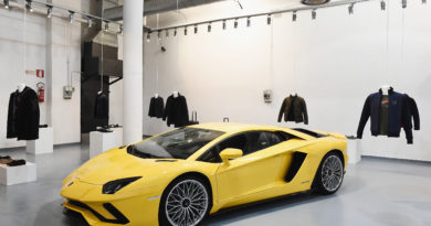 collezione automobili lamborghini alla milano fashion week 2018 auto motori creativity stories & news creatività italiana design forma materia movimento