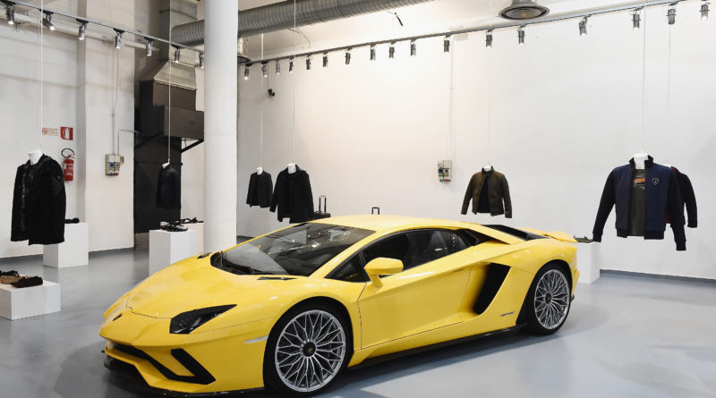 collezione automobili lamborghini alla milano fashion week 2018 auto motori creativity stories & news creatività italiana design forma materia movimento