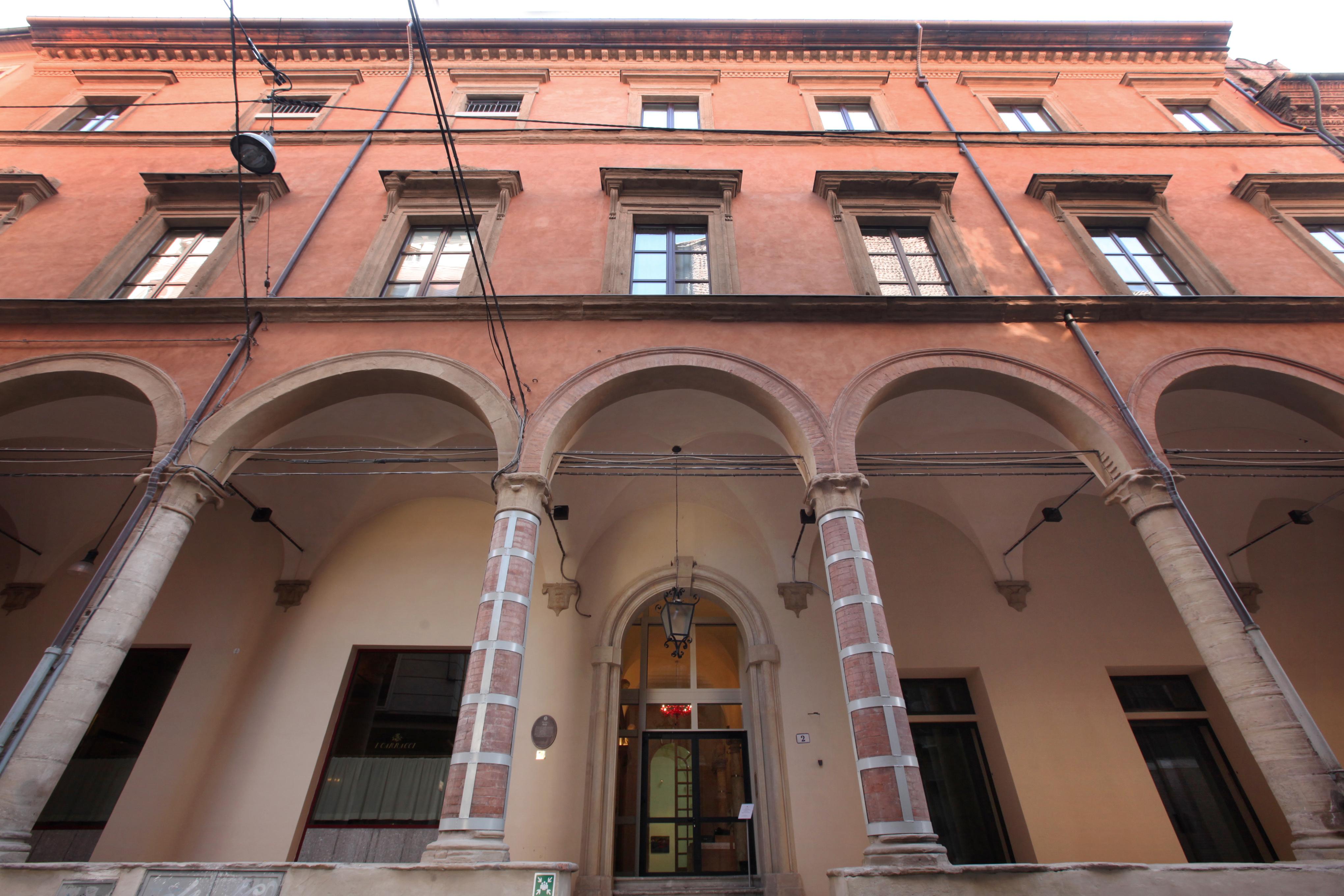 palazzo fava bologna eventi creativi italiani creatività arte street art creativity stories & news bologna arte di Zhang Dali arte