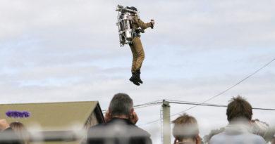 Rocketman arriva a Volandia: la Cintura Razzo sui cieli della Lombardia