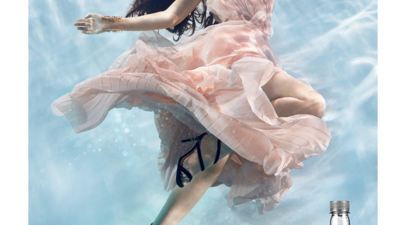 acqua mood coontemporarymood milano fashion week milano fall winter 2018 2019 creatività italiana aziende italiane creativi italiani style water buzzi&buzzi Zena Holloway fotografia underwater creativity stories & news ilaria rebecchi